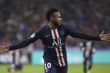 Neymar voltou a salvar