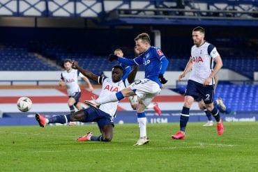 Everton supera o Tottenham na prorrogação